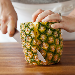 How-to: Prep a Pineapple Small
