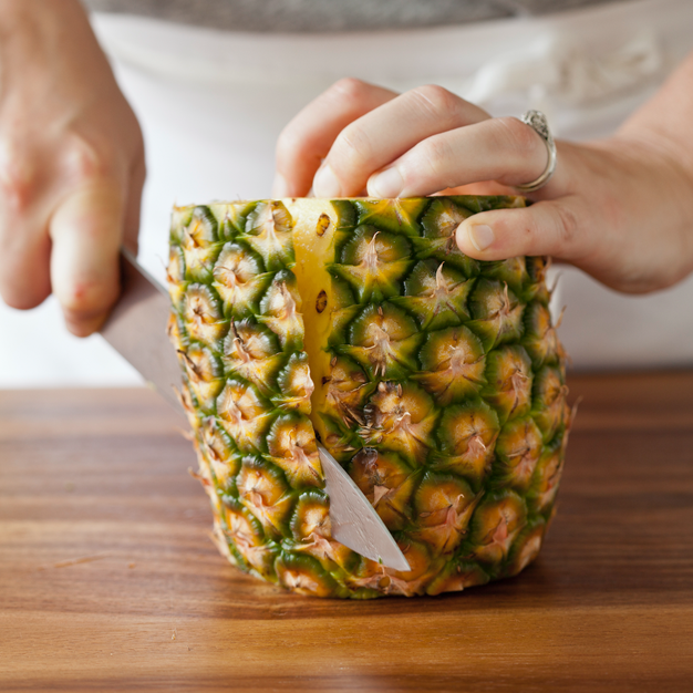 How-to: Prep a Pineapple Main