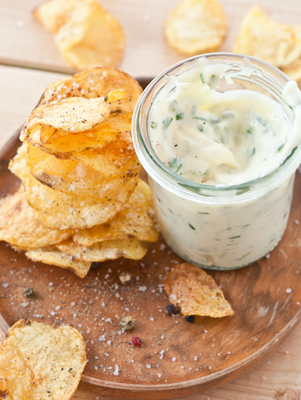 Parmesan and Garlic Potato Chips Thumbnail