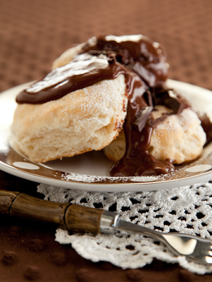 Biscuits and Chocolate Gravy Thumbnail