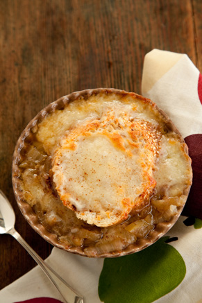 Slow Cooker Apple Onion Soup with Cinnamon Cheese Toast Thumbnail