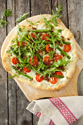Asparagus, Sausage, and Arugula Pizza Thumbnail