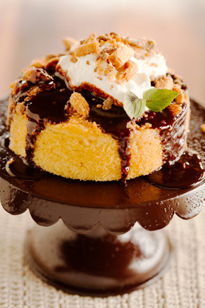 Peanut Butter Chocolate Crunch Cake Thumbnail
