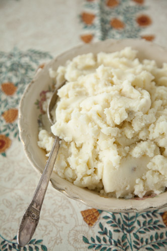 Buttery Buttermilk Mashed Potatoes Thumbnail