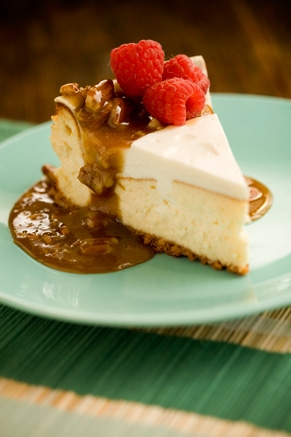 Cheesecake With Praline Sauce Thumbnail