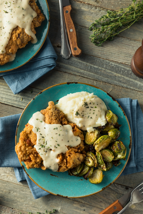 Chicken-Fried Steak With Cream Gravy Thumbnail
