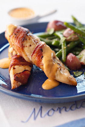 Bacon-Wrapped Chicken Breasts with Chile Cheese Sauce Thumbnail