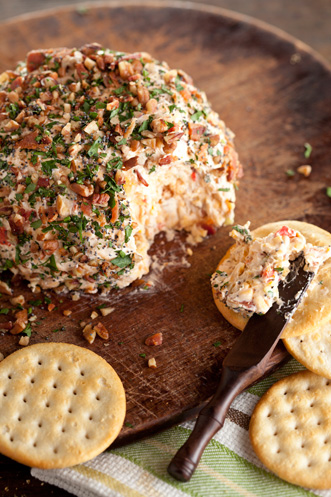 Nutty Bacon Cheese Ball Thumbnail