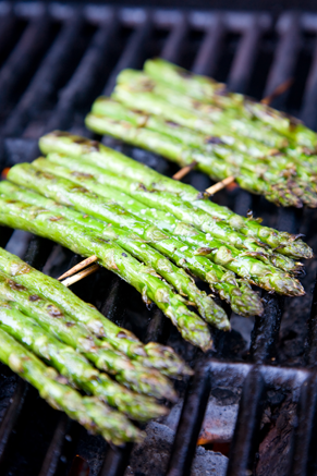 Grilled Asparagus with Lemon & Garlic Thumbnail
