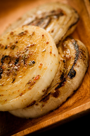 Grilled Vidalia Onion Steaks Thumbnail