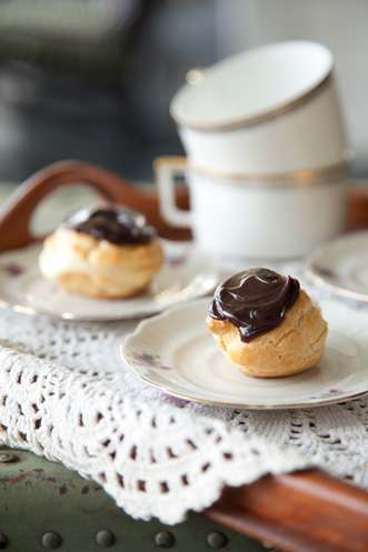 Lighter Mocha-Filled Eclairs Thumbnail