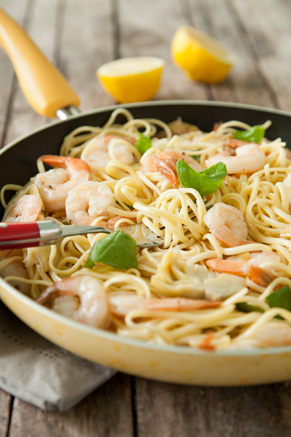 Shrimp Scampi With Artichokes and Basil Thumbnail