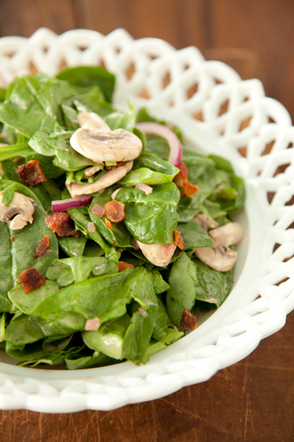 Spinach Salad with Warm Bacon Dressing Thumbnail