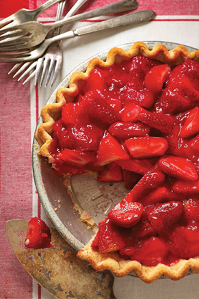 Paula Deen Cuts the Fat: Old-Fashioned Strawberry Pie Thumbnail