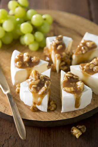 Walnut Praline Brie and Fruit Platter Thumbnail